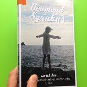 """Umschlag von Heidrun Adriana Bomkes Taschenbuch """"Neumond in Syrakus"""""""